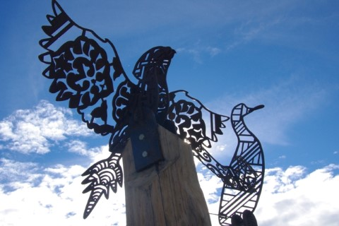 Image of sculpture of local native birds by Leith Walton